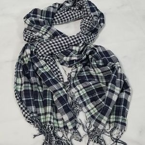 Aeropostale Gingham Plaid Scarf